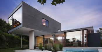 This is an amazing modern home. Image Source: Home-Designing