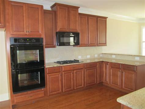 Ballentine Gourmet Kitchen. Timberlake Scottsdale Maple