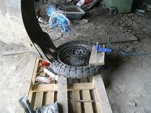 Changer Un Seul Pneu : comment changer un pneu dans son garage ~ Gottalentnigeria.com Avis de Voitures