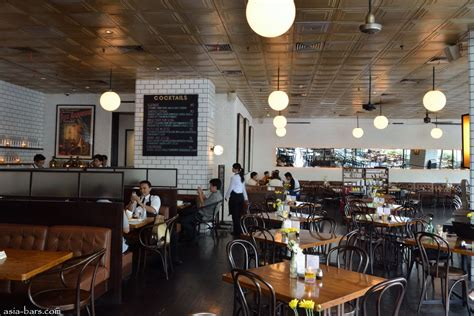 loewy bar restaurant  jakarta excels  relaxed