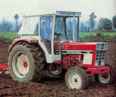 cabine de avec si e int r recherche porte de cabine ih 654 les tracteurs rouges