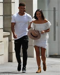 Alex Oxlade-Chamberlain spends the day with mystery woman ...