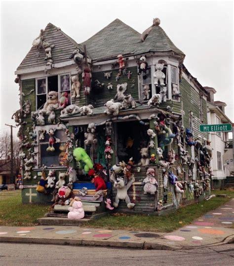Fire Destroys Heidelberg Project's 'doll House' In Detroit