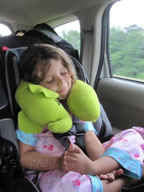 cuscini per neonati come cucire cuscino per auto per bimbi tutorial e