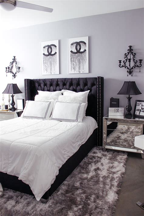 Purple And White Bedroom Decor Ideas by Black White Bedroom Decor Reveal