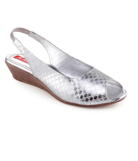 comfortable silver sandals kielz comfortable silver sandals buy s sandals