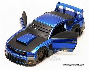 2006 ford Mustang GT Hard Top Dirt Version by Jada Toys ...