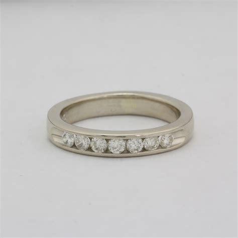 pre owned diamond wedding band