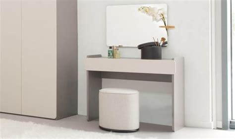 coiffeuse moderne pour chambre meuble coiffeuse pour chambre adulte bois gris design