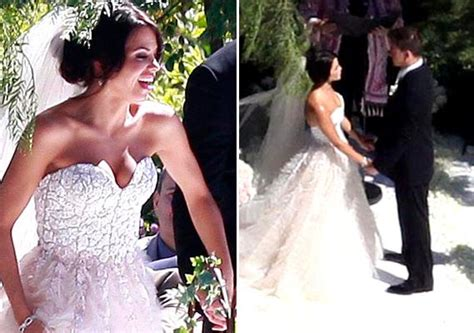 Jenna Dewan Wore A Strapless Reem Acra Gown With A