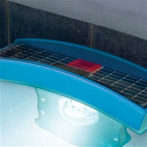 solar powered underwater pool light envirogadget