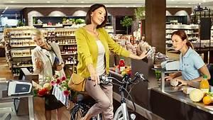 An Der Kasse : kreienb hl und vogler mit dem e bike an der kasse stehen werbung ~ Orissabook.com Haus und Dekorationen