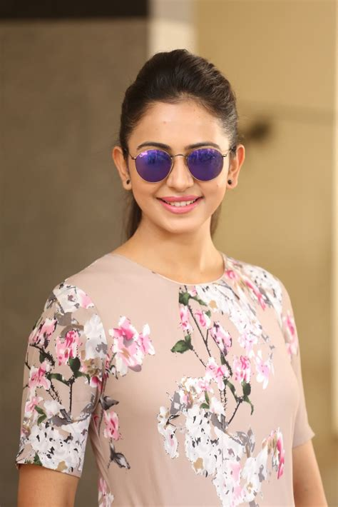 Hq Pics N Galleries !! Rakul Preet Glamorous Photo Shoot
