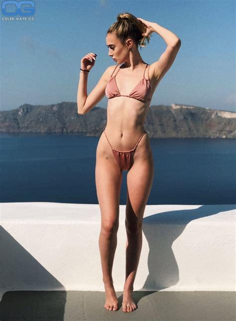Olivia Harlan  nackt