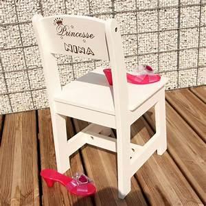 Chaise Enfant Personnalisé : chaise d 39 enfant personnalis e la petite princesse ~ Teatrodelosmanantiales.com Idées de Décoration