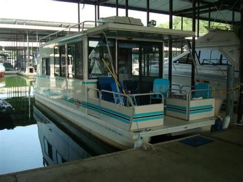 Boat And Cer Dealers Near Me by Catamaran Cruisers Lil Hobo Boats For Sale New And Used