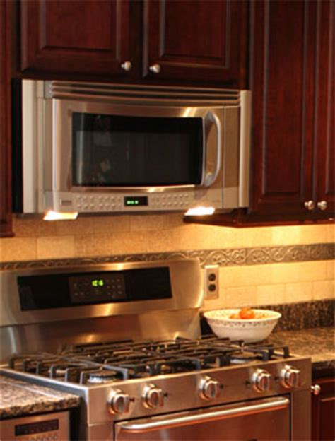 how to remove kitchen wall cabinets how to remove an cabinet microwave 8870