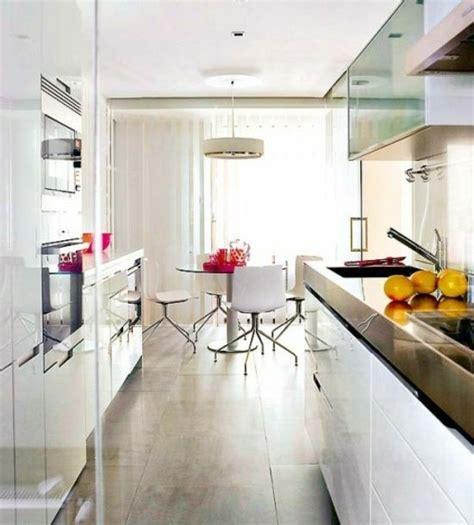 kleine schmale küche einrichten gem 252 tliche schmale k 252 che planen einrichten design ideen