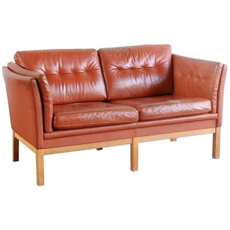 Leather Settee Sale by Leather Two Seat Settee With Oak Frame At 1stdibs