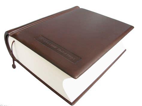 Albūmi, vāki, grāmatas (A-AVG-0001)