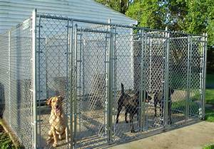 Residential chain link dog kennel enclosure fencing for Dog fence enclosure