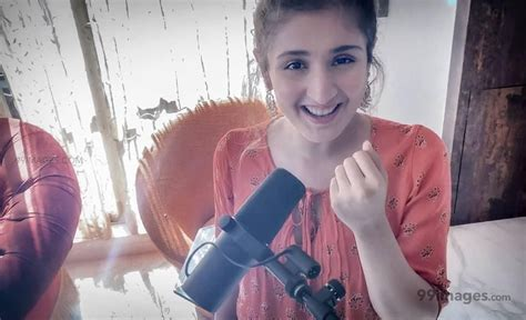 15 Dhvani Bhanushali Images Hd Photos 1080p