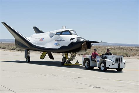 File:Dream Chaser pre-drop tests.3.jpg - Wikimedia Commons