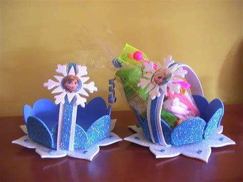 canastas de dulces echas con fomi Buscar con Google
