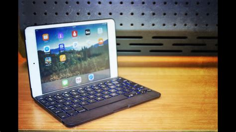 zagg folio backlit keyboard case   ipad mini ipad mini wretina review youtube