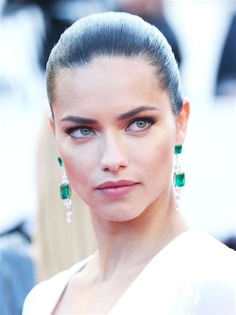 30 Most Popular Short Hairstyles For Women Slicked back