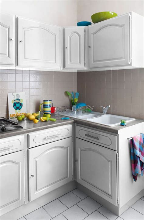repeindre meubles de cuisine relooking cuisine facile repeindre les meubles