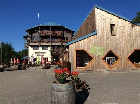 hotel le grand chalet foncine le haut piste de ski derri 232 re l hotel photo de hotel le grand chalet foncine le haut tripadvisor