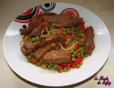 recette de nouilles chinoises saut 233 es au boeuf le monde de sofhy