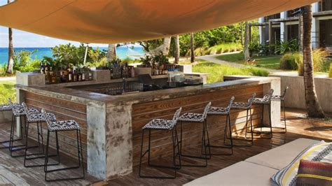 Exciting Bar Applying Outdoor Fall Decorating Ideas With