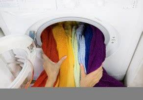 Teppich Nass Was Tun : waschmaschine berladen welche folgen hat das ~ Markanthonyermac.com Haus und Dekorationen