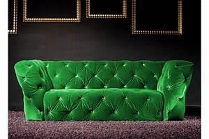 Canapé Velours Vert : canap 2 places velours vert royal chesterfield ~ Teatrodelosmanantiales.com Idées de Décoration