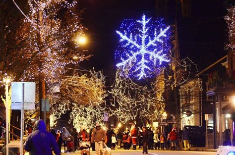 rhode island christmas light displays 8 of the best main streets during christmastime in rhode