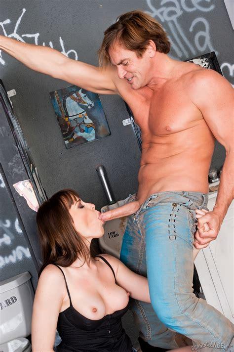 Hot Brunette And Randy Man In Toilet For Ho Xxx Dessert