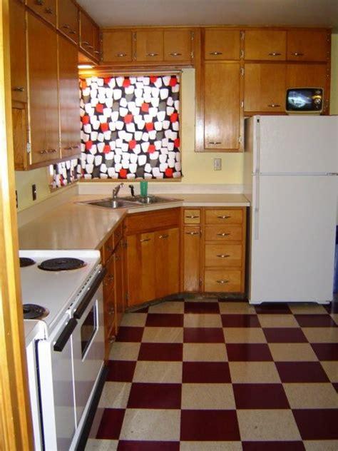 1940s kitchen flooring pin by teri fox on vintage house stuff 1031