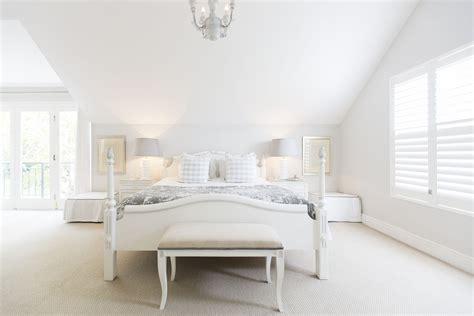 ways   white   bedroom