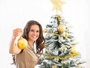 Weihnachtsbaum Richtig Schmücken : weihnachtsbaum festlich schm cken tipps und ideen ~ Buech-reservation.com Haus und Dekorationen