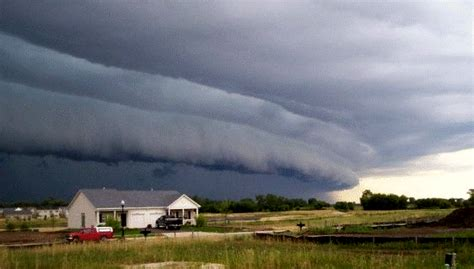 facts  derechos  damaging windstorms