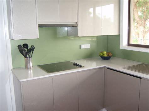 green kitchen splashback kitchen splashbacks in glass ozzie splash 1435