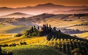 Tuscany Landscape 4K Ultra HD wallpaper