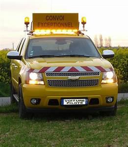 Pilote De Voiture : voiture pilote convoi exceptionnel id e d 39 image de voiture ~ Medecine-chirurgie-esthetiques.com Avis de Voitures