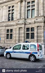 France Cars Arras : renault police car stock photos renault police car stock images alamy ~ Medecine-chirurgie-esthetiques.com Avis de Voitures