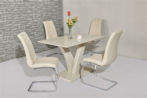 Cream high gloss dining table and 4 cream chairs   Homegenies