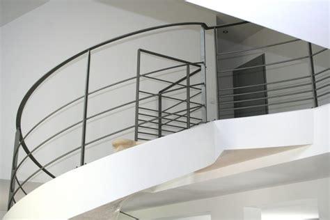 garde corps d un escalier circulaire en b 233 ton ehi escalier h 233 lico 239 dal industriel