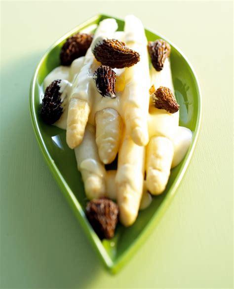 cuisine hollandaise recette recette asperges blanches et morilles sauce hollandaise