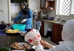 Syrian Women In Jordan Face Economics Of Survival Women